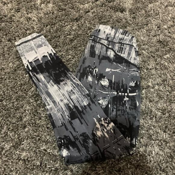 Reebok Pants - Reebok Printed Leggings